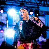 """Melissa Naschenweng – Neues Album """"Kunterbunt"""" und das """"Die Ganze Nacht"""""""